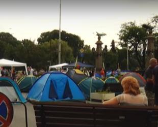 Центърът на София остава блокиран