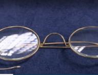 Продадоха на търг очила на Махатма Ганди за 260 000 паунда