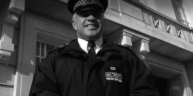 Застреляният от арестант полицейски служител в Лондон е 54-годишният сержант Мат Ратана