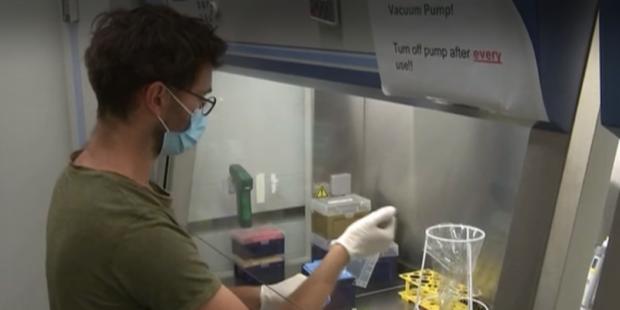 Учени от Берлин разработват пасивна ваксина срещу коронавирус с мощни антитела