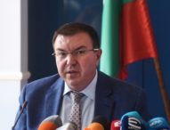 """Костадин Ангелов: Ваксините на """"АстраЗенека"""" ще бъдат изтеглени, ако няма интерес към тях"""