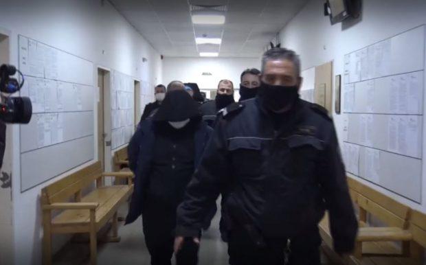 """Трима от задържаните фалшификатори и пловдивския полицай от дирекция """"Миграция"""" остават в ареста"""
