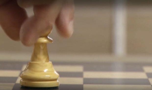 """В Испания се купуват масово шахматни дъски покрай успеха на сериала """"Дамски гамбит"""""""