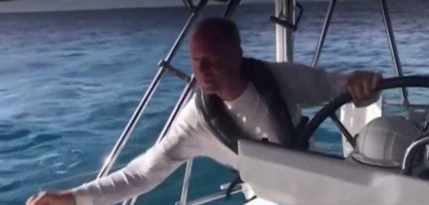 Изолация сред морските ширини: Унгарско семейство обикаля света с яхта