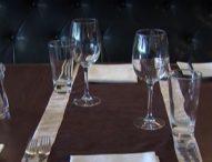 Ресторантите отварят на 50% и до 23 ч., екскурзии в страната отново ще има
