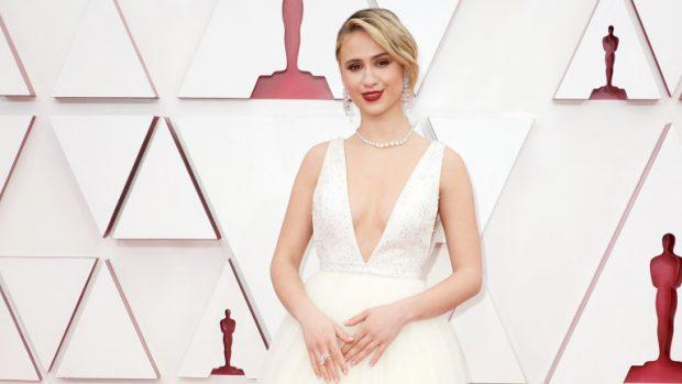 """Блясък и стил – звездите на """"Оскар""""-ите се отличиха и с тоалетите си"""