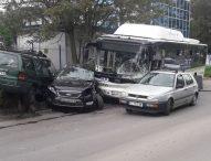 Верижната катастрофа с автобус в София е по вина на водача