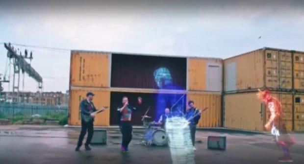 """Музикантите от """"Колдплей"""" излъчиха новия си сингъл в открития Космос"""