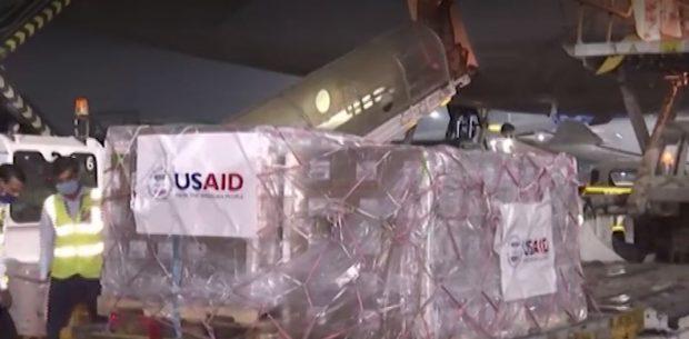 """Ситуацията в Индия остава критична, Великобритания и САЩ изпратиха кислород и """"Ремдесивир"""""""