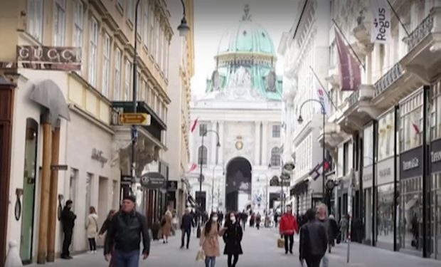 В Австрия отвориха магазините и фризьорските салони