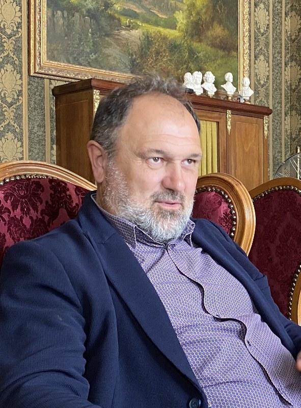 Доц. Павел Павлов: Българинът има дълбочина във вярата, пътят към храма тръгва от семейството