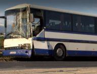 Тежка катастрова между автобус и камион край Сандански
