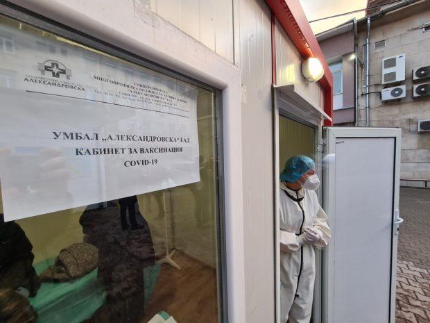 """Задочен спор между новия и бившия здравен министър заради """"зелените коридори"""""""