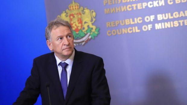 Кацаров: Няма хаос в здравната система заради COVID-19, в петък ще има нови мерки