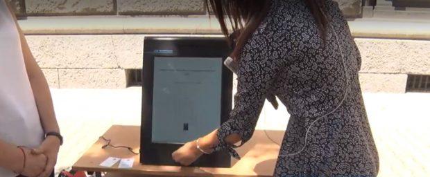 Скандал в Русе: Избиратели късат разписките от машините