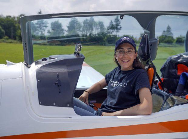 19-годишно момиче ще направи околосветски соло полет със свръхлек самолет