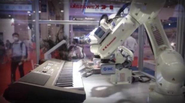 Най-новите и модерни роботи показаха на техно изложение в Китай
