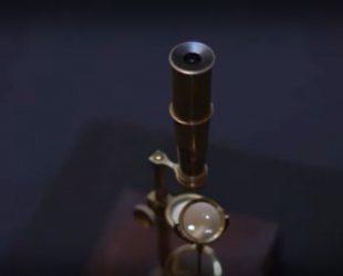 Микроскопът на Чарлз Дарвин на 200 години отива на търг за над половин милион долара