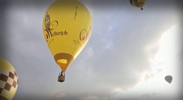Атрактивно състезание с балони, пълни с горещ въздух, събра любители и майстори в Германия